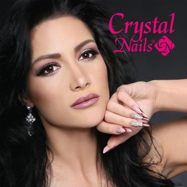 Crystal Nails Igényes Körmösök kézikönyve 2017/2018