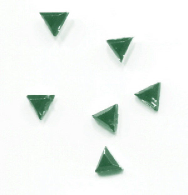 Strassz háromszög zöld 50/cs